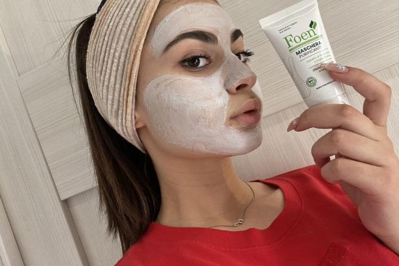 La maschera viso elimina l'abbronzatura? Scopri la verità
